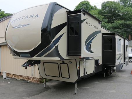 2018 Keystone Montana High Country 379RD 5th Wheel Camper