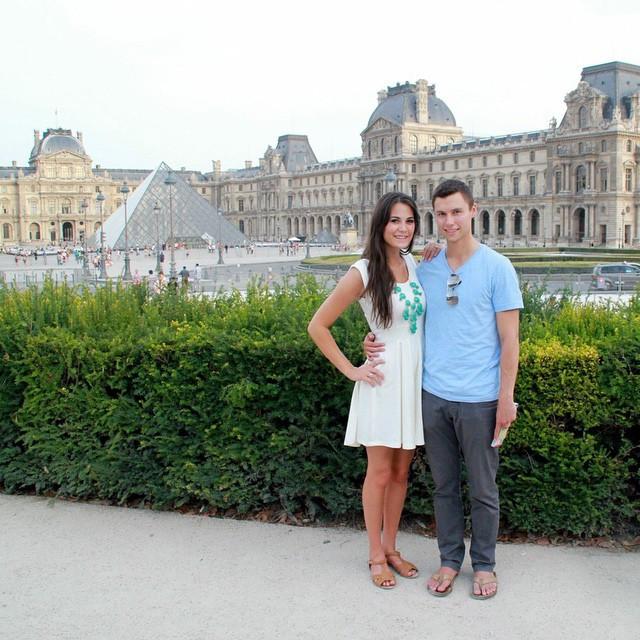 couple in paris france
