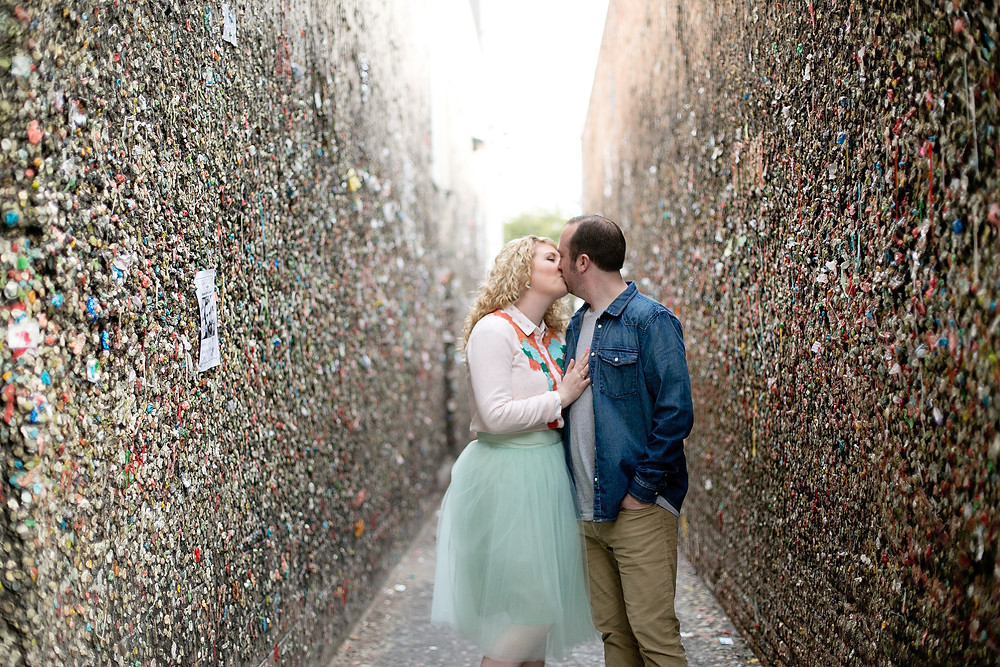 in bubble gum alley kissing