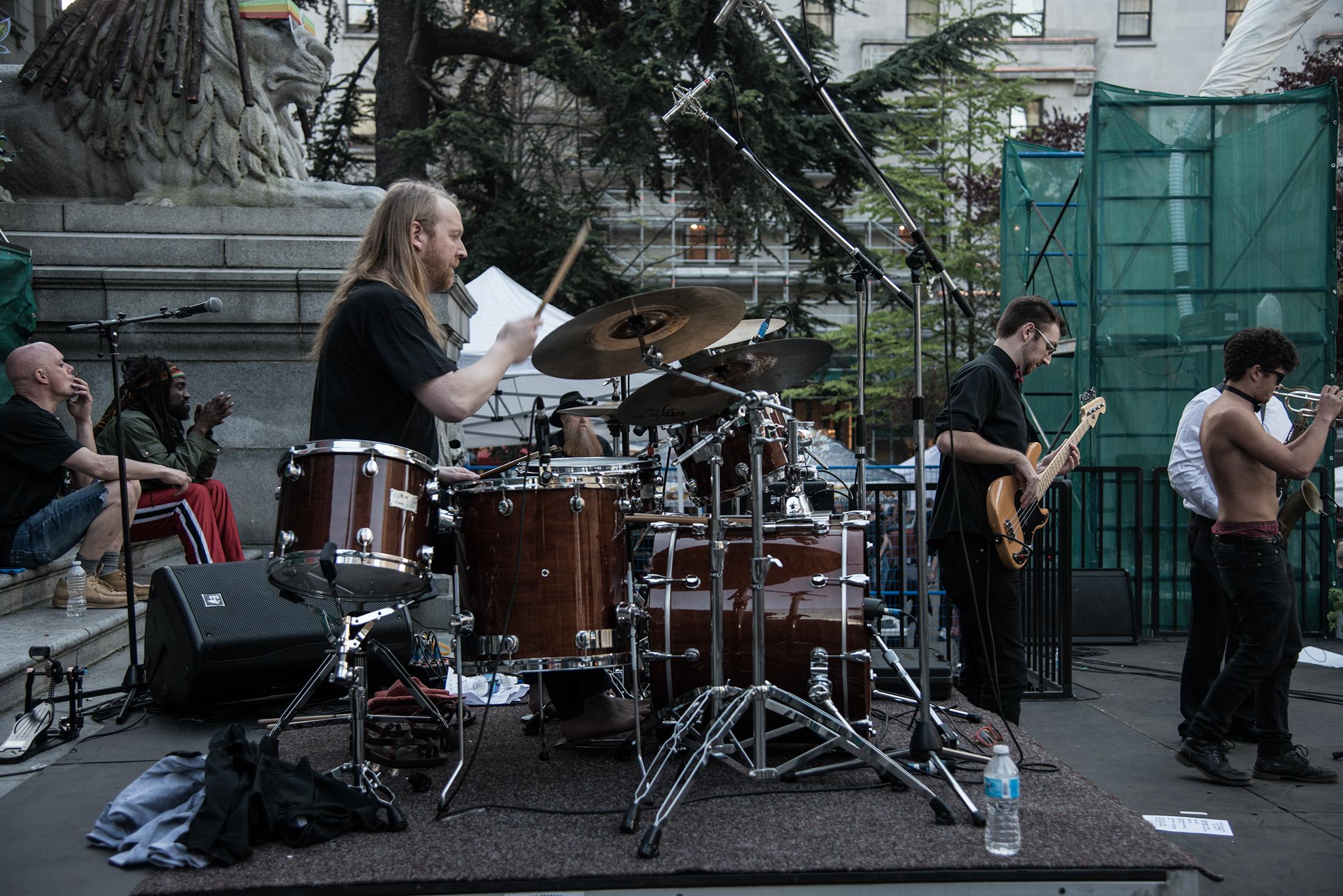 Drums 420