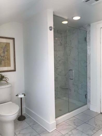Thistle Room Bathroom