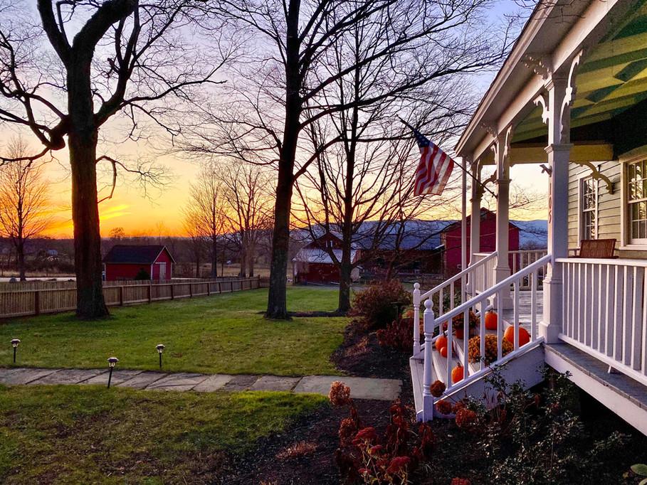 Watergrasshill B&B Front Porch