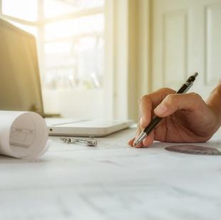 מוכר דירה שלא התאים את הסכם המכר למאפייני העסקה ישלם פיצוי מוסכם בגין הפרה יסודית