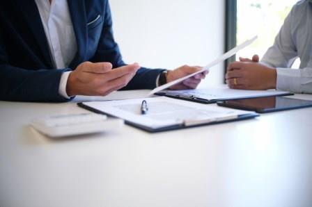 מה ניתן לעשות כשהצד השני מבטל את החתימה על הסכם המכר