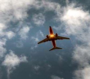 פיצוי על ביטול טיסה - מה ניתן לדרוש?