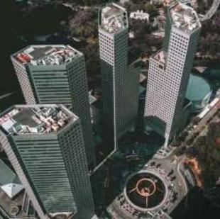 על זכויות בנייה והצמדת גג בניין בנכס אגב הסכם שנחתם לחלוקתם