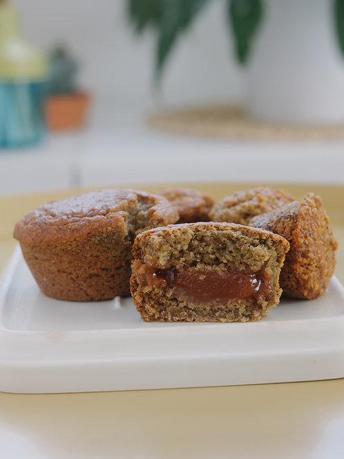 Muffins de guineo rellenos de guayaba