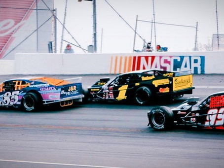 Advance tickets on sale now for April 3 Pocono Organics' Day at the Races featuring SMART modifieds