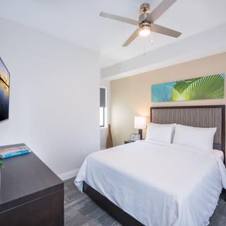 Sterling_Tower_-_Bedroom_3.jpg