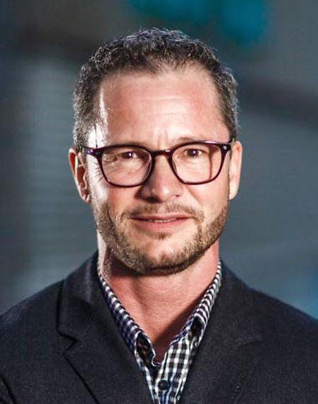 Dr. med. Niklaus Flütsch Gynäkologe praxisfluetsch.ch