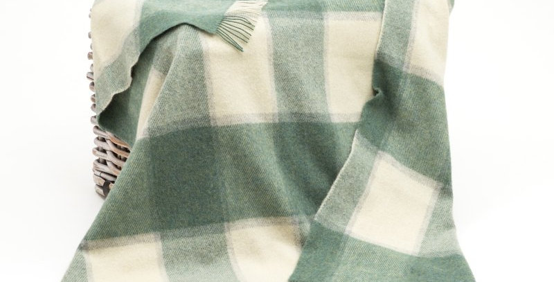 John Hanly Large Irish Pure Wool Picnic Blanket: White Sea Green Block