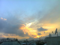 Feurig verglüht die Sonne
