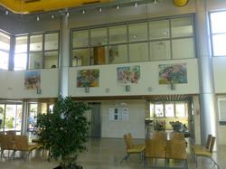 Aula mit Werken der Lapidot