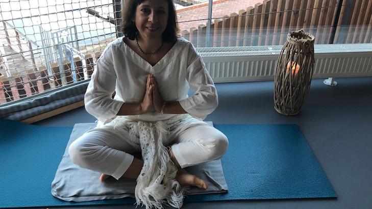 Kundaliní jóga - tipy pro domácí praxi