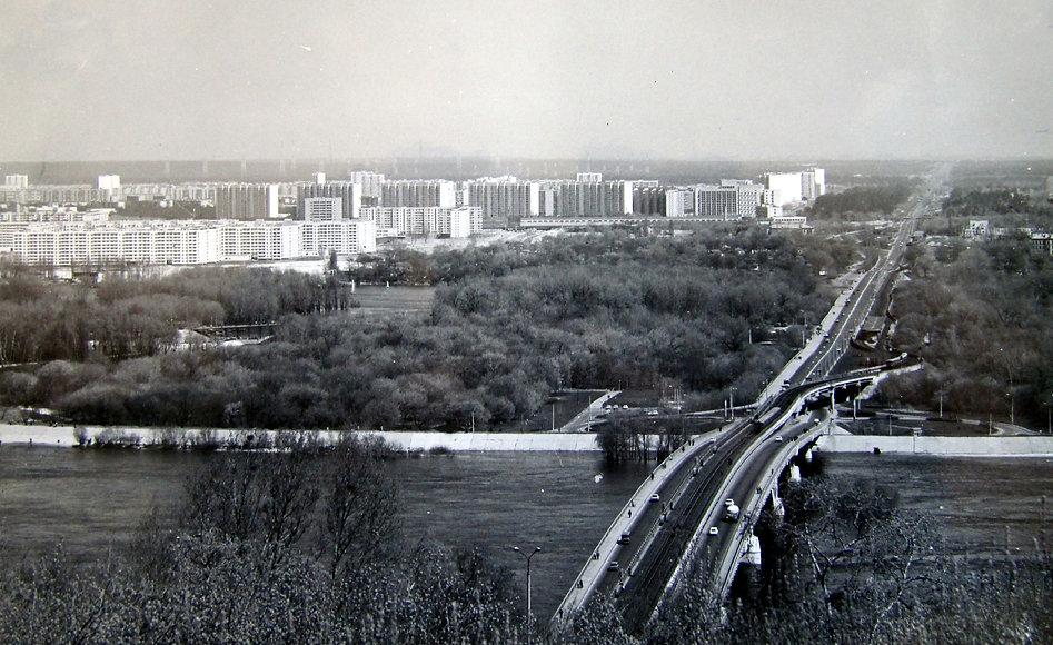 Мост Метро в Киеве. Фотография. 1970-е гг.