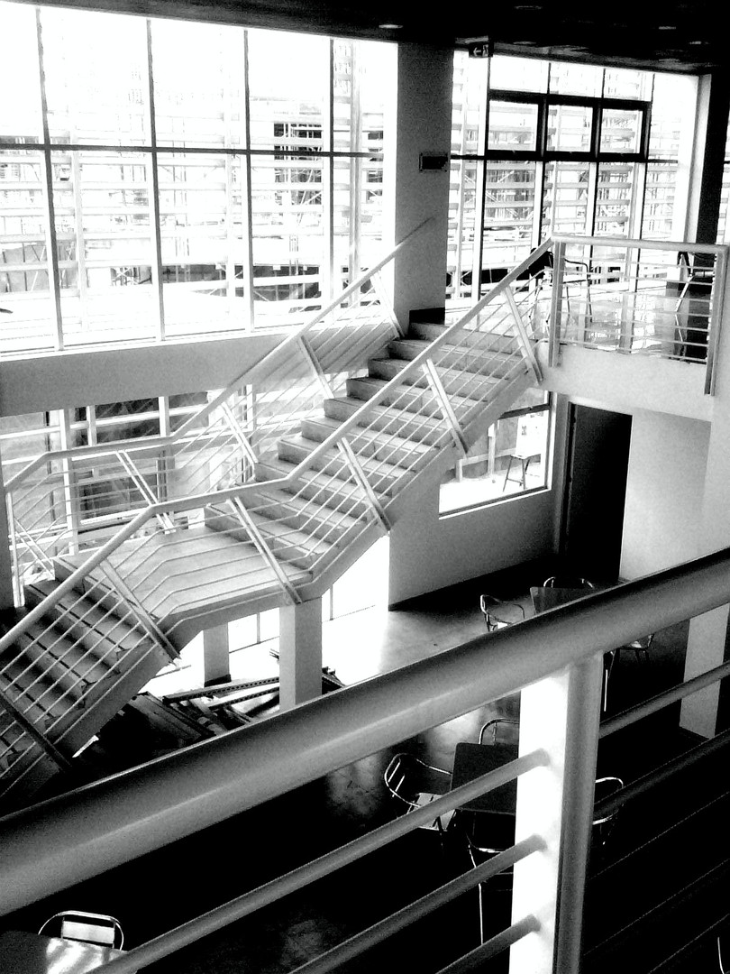 ZEAL Casino Interior Escalera  .jpg