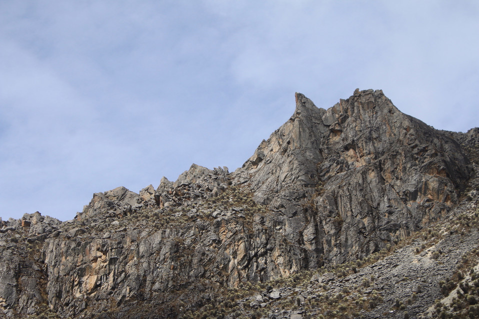 Aguja de la Carbonera oeste 4410 m.s.n.m.