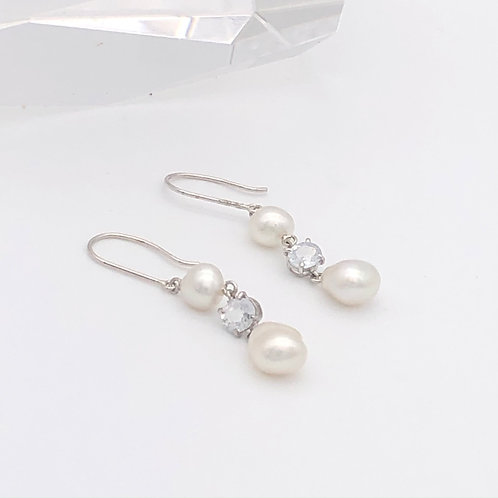 Baroque pearls and White sapphire Earrings