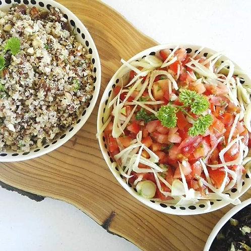 Salade de quinoa aux abricots secs et noisettes grillées