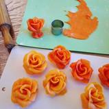 Roses en pâte d'amandes