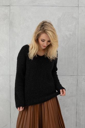 """Megztinis """"WOOL black"""""""