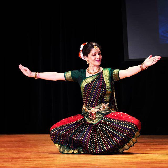 Learn this beautiful Indian classical da