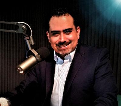 Locutor Carlos Contreras Santillán