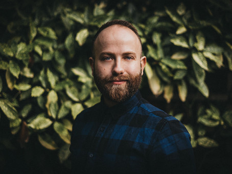 Tom Aizenberg - Insight into a brilliant wedding photographer