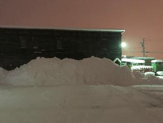 米田容器恒例の構内除雪作業