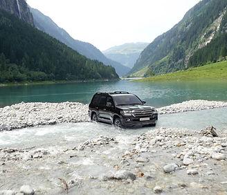 toyota-land-cruiser-v8-2015-highlight-qd