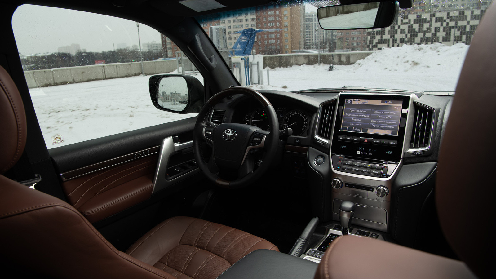 001-lc200-interior-winter_1600x900_tcm-3