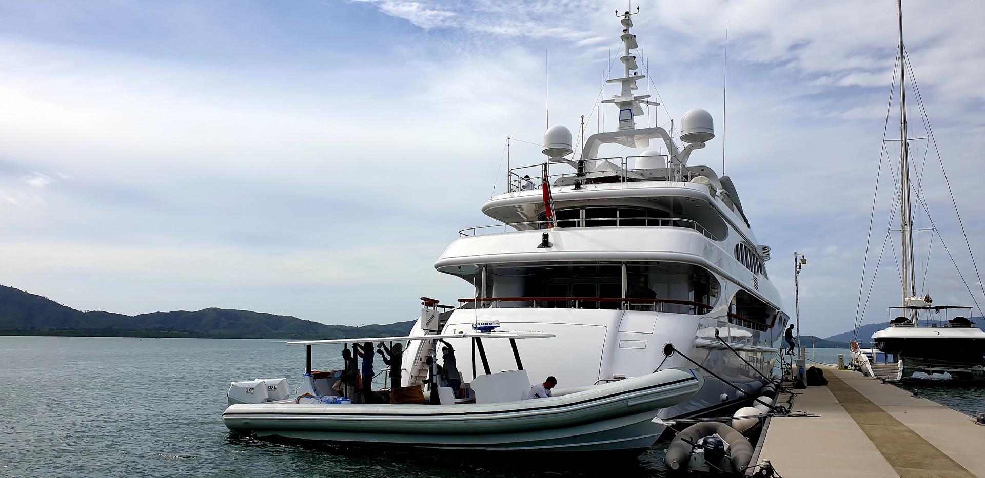 Superyacht KRETA.jpg