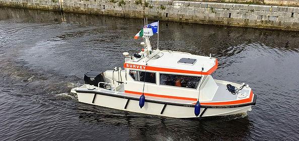Oxe125 survey boat.jpg