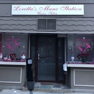 Loretta's Mane Station