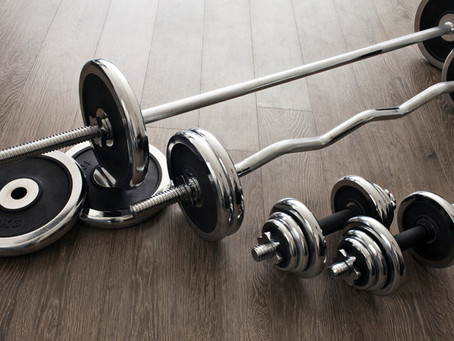 DUMBBELLS VS BARBELLS- WHAT TO KNOW