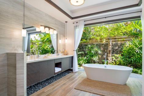 Indoor/Outdoor Master Bathroom