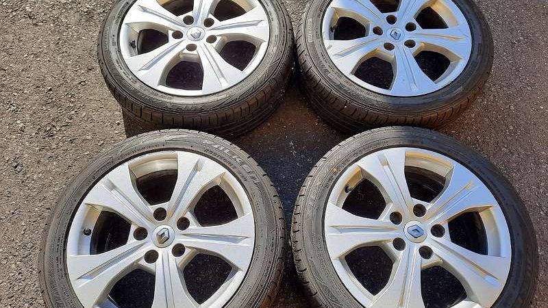 Renault Megan. Laguna Original Alufelgen mit Fast Neu 205/50R17 93W XL Falken Zi