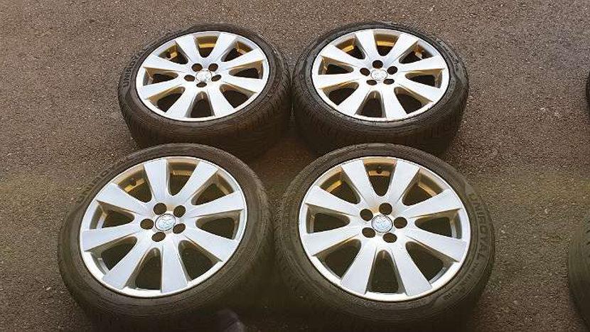Toyota Avensis. Prius. Celica Original Alufelgen mit Fast Neu 215/45R17 87V Unir