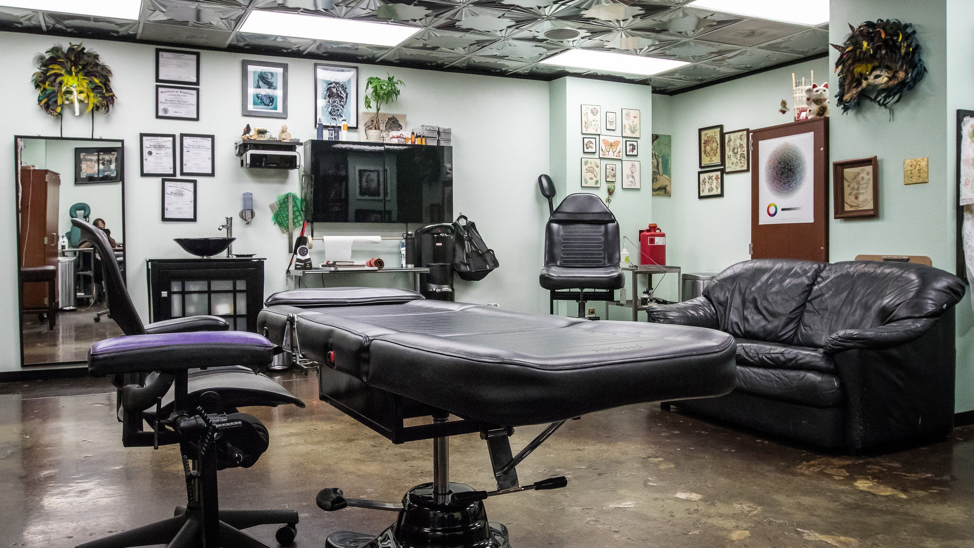 Relax in our hygienic and welcoming tattoo studio - and be yourself.