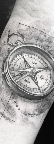 _+++compass.jpeg