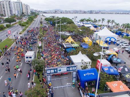 Meia Maratona de Florianópolis reúne 7 mil pessoas na Beira-Mar norte