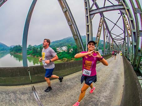 Meia Maratona de Blumenau reuniu 2,5 mil atletas em terceira edição no último domingo (14)