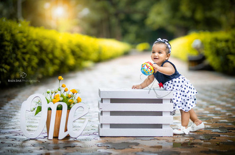 one-year-baby-photoshoot.jpg