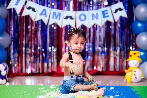 baby-boss-theme-with-cake-smash.jpg