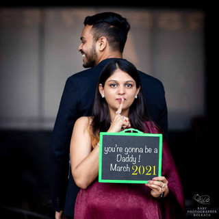 pregnancy-photoshoot-idea-with-husband.jpg