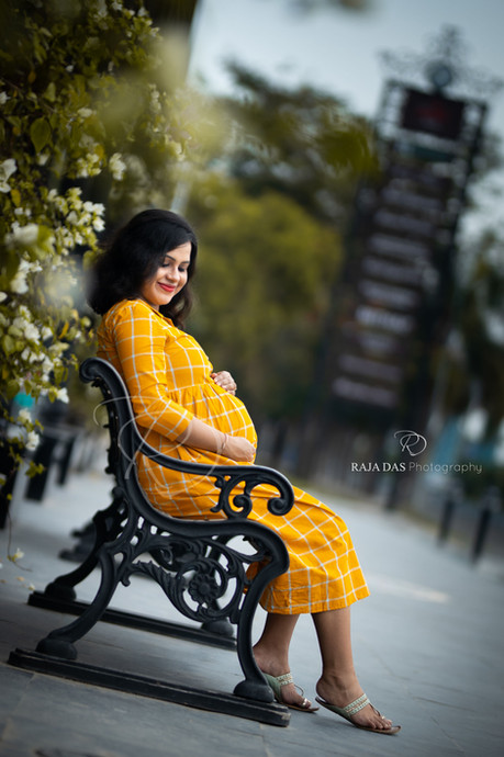 lockdown maternity shoot.jpg