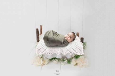 creative-newborn-session.jpg