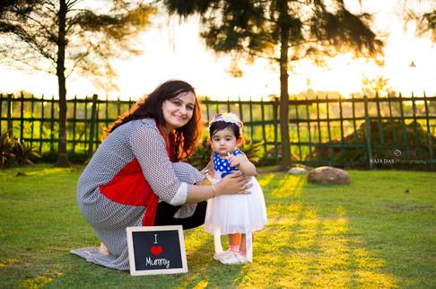 baby photographer in kolkata