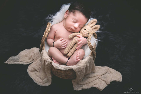 newborn-photographer-in-kolkata.jpg