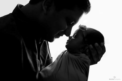 www.babyphotographerkolkata.jpg